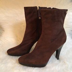 Mizrahi 'Brea' Suedette Boots (8.5)